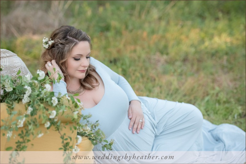 Maternity photo session field woods natural